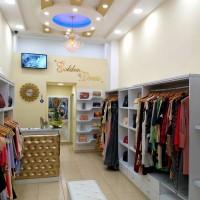 shitet-biznesi-golden-dress-albania