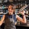 Bar Oslo Kërkon të punësojë Ndihmes banakiere