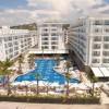BANAKIER Fafa Hotels & Resorts me adrese Golem, Kavaje shpall vendet vakante si me poshte Kërkon të punësojë