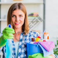 kerkohet-nje-zonje-per-pune-shtepie