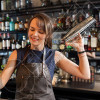 BANAKIERE Bar Class Kërkon të punësojë
