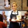 KAMARIERE Bar kafe NELSA Kërkon të punësojë