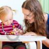 kerkohet-punetore-shtepie-me-kohe-te-plote-per-tu-kujdesur-per-femije-dhe-mirembatjen-e-shtepise