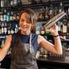 BANAKIER/E THE NEST CAFE Kërkon të punësojë